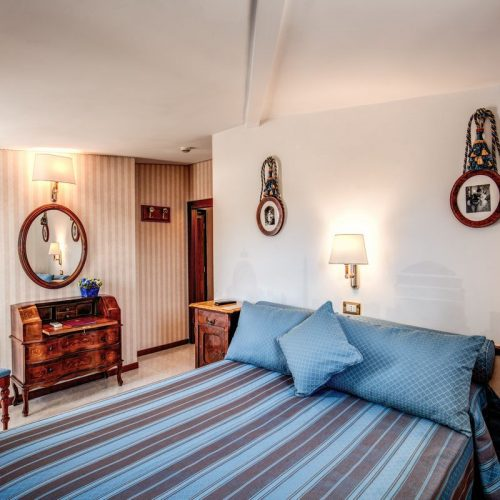 Vintage Room with terrace Hotel Pacific Roma